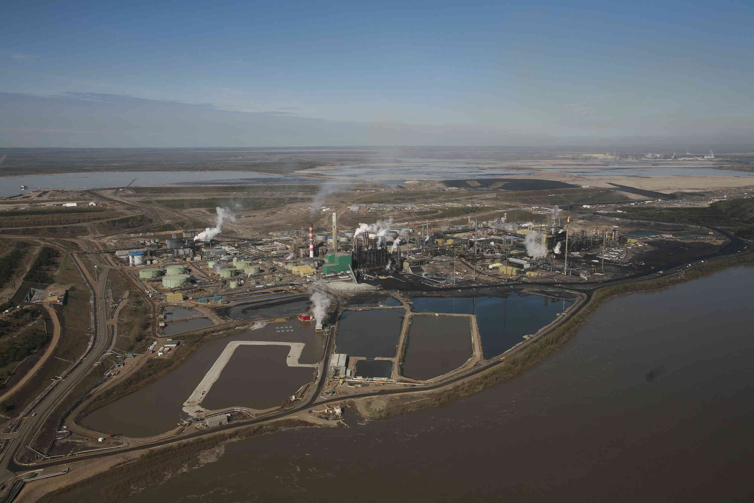 alberta tar sands in canada essay Transcript of alberta oil sands case study i suggest we should do like a picture of the oil crude oil from the athabasca oil sands formation in alberta, canada.